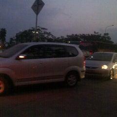 Photo taken at Pangkalan DAMRI Jatinangor by Raissa G. on 8/17/2012