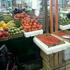 Photo taken at Yellow Green Farmers Market by Rafael M. on 1/29/2012