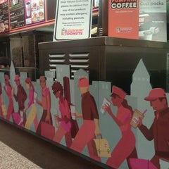 Photo taken at Dunkin' Donuts by Pico on 1/27/2012