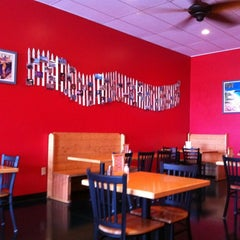 Photo taken at Flip Flops Grill + Chill by Stephen D. on 12/5/2011