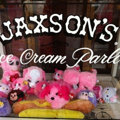 Photo taken at Jaxson's Ice Cream Parlour, Restaurant & Country Store by Ibis G. on 1/2/2012