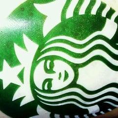 Photo taken at Starbucks by Taryn T. on 1/11/2012