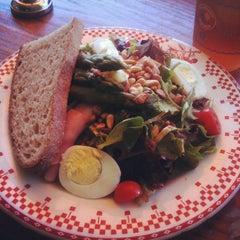 Photo taken at La Boulange de Polk by Kimmie N. on 10/22/2011