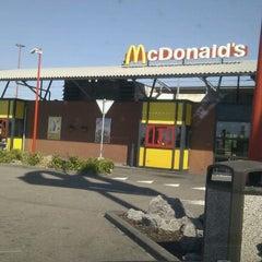 Photo taken at McDonald's by Sonny Boy on 5/2/2011
