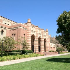 Photo taken at UCLA Anderson School of Management by Shigeru M. on 8/31/2012