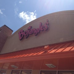 Photo taken at Bojangles' Famous Chicken 'n Biscuits by Rocky M. on 6/5/2012