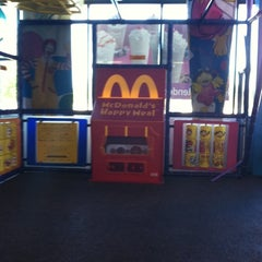 Photo taken at Mcdonalds by C B. on 9/27/2011