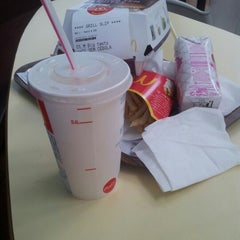 Photo taken at McDonald's by fernando s. on 6/28/2012