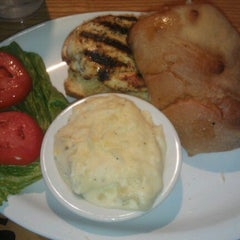 Photo taken at Rookies Neighborhood Sports Grill by Kendall H. on 6/16/2012
