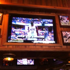 Photo taken at Miller's Coral Gables Ale House by Juan C. on 5/20/2012