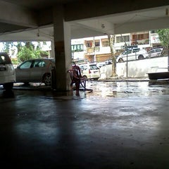 Photo taken at Car Wash by Khim Hoe T. on 6/10/2012