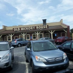 Photo taken at Old Hickory House by Kcrzaye on 8/5/2012