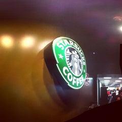 Photo taken at Starbucks by Benjamin J. on 11/24/2011
