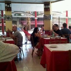 Photo taken at Galeto do Leblon by Henrique F. on 7/4/2012