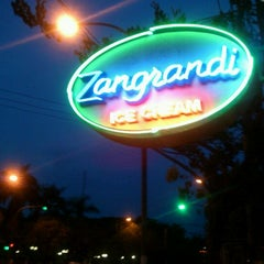 Photo taken at Zangrandi Ice Cream by bayu k. on 11/13/2011