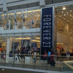 Photo taken at Forever 21 by Karin C. on 9/12/2012