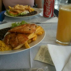 Photo taken at Gardens Coffee & Fast Food by Railany C. on 5/5/2012