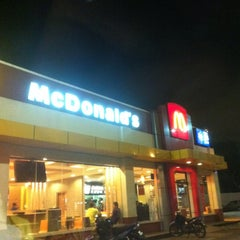Photo taken at McDonald's by 逍遙 西. on 6/17/2012
