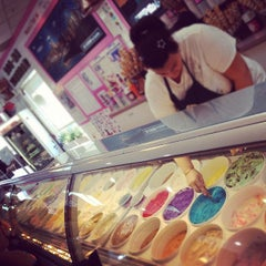 Photo taken at La Casa Gelato by Alex T. on 8/4/2012