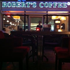 Photo taken at Robert's Coffee by Caner B. on 7/4/2012