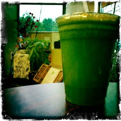 Photo taken at Tuxedo Organic Juice And Espresso by Frank D. on 6/4/2012