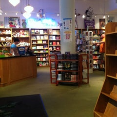 Photo taken at Books of Wonder by khriscat on 5/26/2012