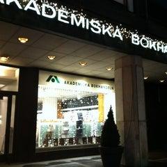 Photo taken at Akateeminen kirjakauppa by mogumogu on 12/10/2011