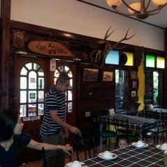 Photo taken at สวนอาหารซุ้มไผ่ (Sum Phai Restaurant) by I้ หรั่ง on 8/12/2011