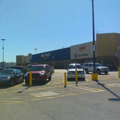 Photo taken at Walmart Supercenter by Jamie S. on 10/15/2011