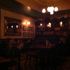 Photo taken at Kilkennys Irish Pub by Julie YouGyoung P. on 8/6/2012