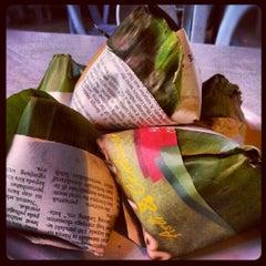 Photo taken at Asam Pedas Claypot, Jalan Salleh, Muar by Lavender Farrahanie on 8/10/2012