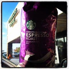 Photo taken at Starbucks by Wes D. on 11/22/2011