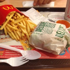 Photo taken at McDonald's & McCafé by Taro on 5/9/2012