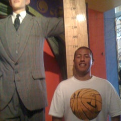 Photo taken at Museo Ripley by Vic A. on 4/6/2012