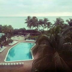 Photo taken at Four Points by Sheraton Miami Beach by Tom C. on 11/11/2011