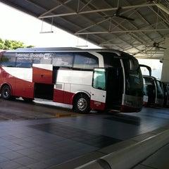 Photo taken at Terminal de Autobuses ADO by Mac M. on 8/5/2011