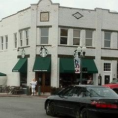 Photo taken at Starbucks by Davo F. on 8/4/2011