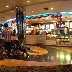 Photo taken at SF Cinema City (เอส เอฟ ซีเนม่า ซิตี้) by Chalita K. on 1/21/2012