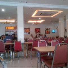 Photo taken at The Legend's Family Curry House by Denny Z. on 11/3/2011