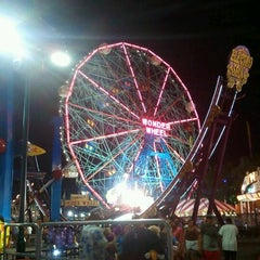 Photo taken at Deno's Wonder Wheel by Raul A. on 7/10/2011