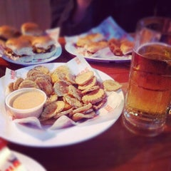 Photo taken at Hooters of Anaheim by Jd R. on 11/10/2011