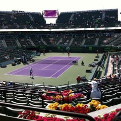 Photo taken at Grandstand Court - Sony Ericsson Open by Ricardo on 3/27/2011