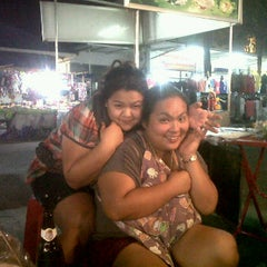 Photo taken at ตลาดสดเพชรอารี@ Petch-aree Market by Yuwaree I. on 11/29/2011