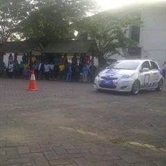 Photo taken at Parkir Gedung Waskita Karya by Eshape B. on 9/24/2011