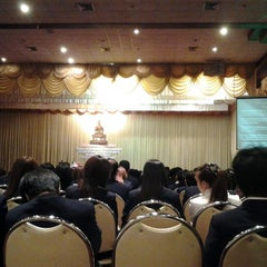 Photo taken at รามคำแหง หัวหมาก by Chanitsara P. on 12/10/2011
