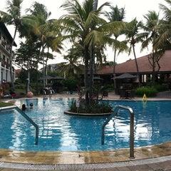 Photo taken at Sheraton Bandung Hotel & Towers by Reza Kondo P. on 9/1/2011