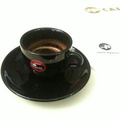 Photo taken at CAFFE PASCUCCI by Sean J. on 11/5/2011