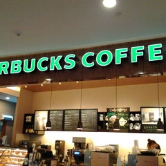 Photo taken at 星巴克 Starbucks by  Ika 🇮🇩 on 2/22/2012