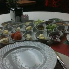 Photo taken at Meşhur Tavacı Recep Usta by Gökhan S. on 1/21/2012
