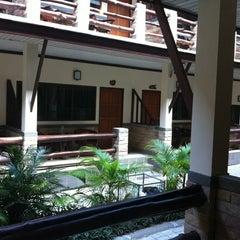 Photo taken at Phangan Bayshore Resort by Elya B. on 12/25/2011